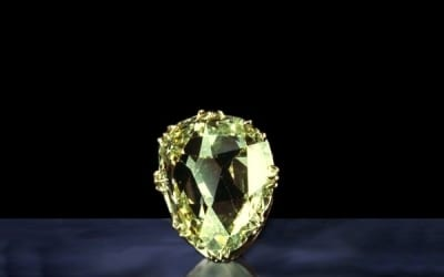 Famous Colored Diamonds: The Sancy Diamond